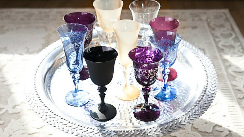 vasos de plástico y copas