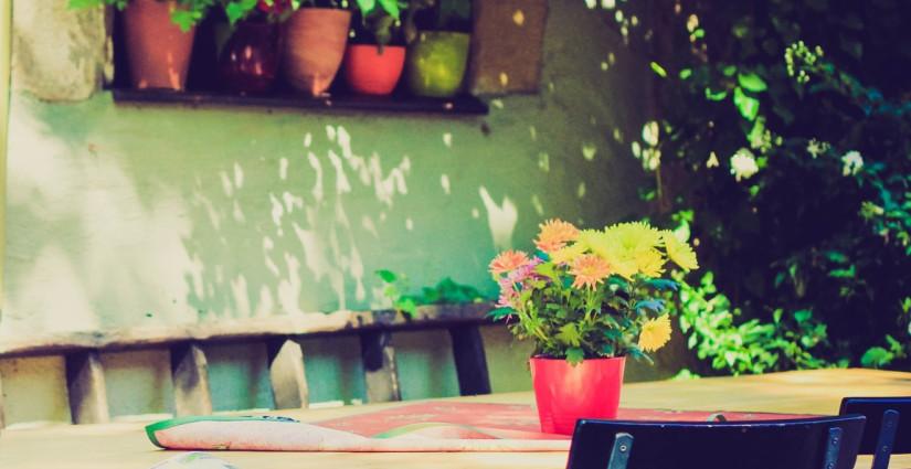 patio rústico colorido