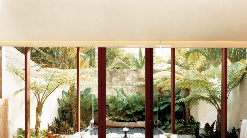 Toldos para patios pequeos stunning finest toldos para balcones patios jardines negocios - Toldos para patios interiores ...