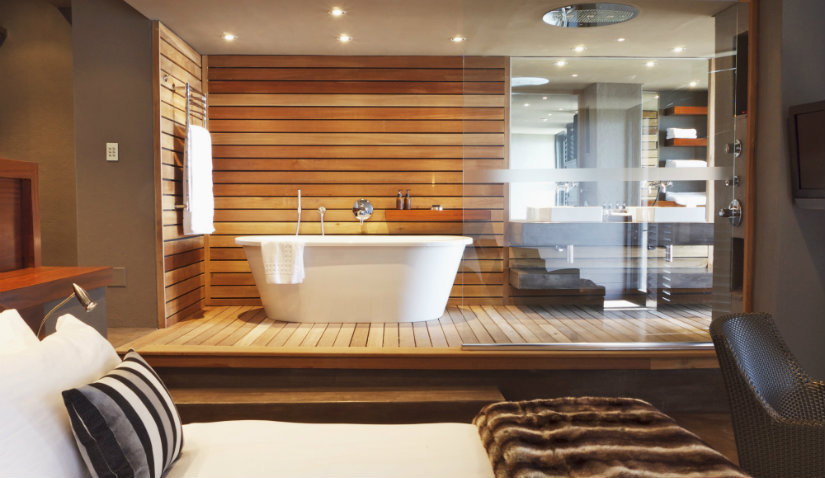 baño de lujo en madera