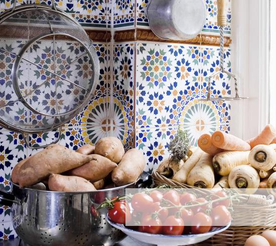 Azulejos patio andaluz top casa de los azulejos with - Azulejos para patio ...
