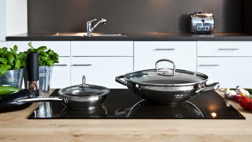 Cocinas negras simplemente elegantes westwing for Cocinas modernas negras