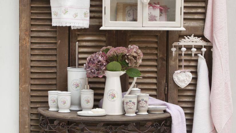 Muebles de ba o vintage encanto tradicional westwing - Mueble bano vintage ...