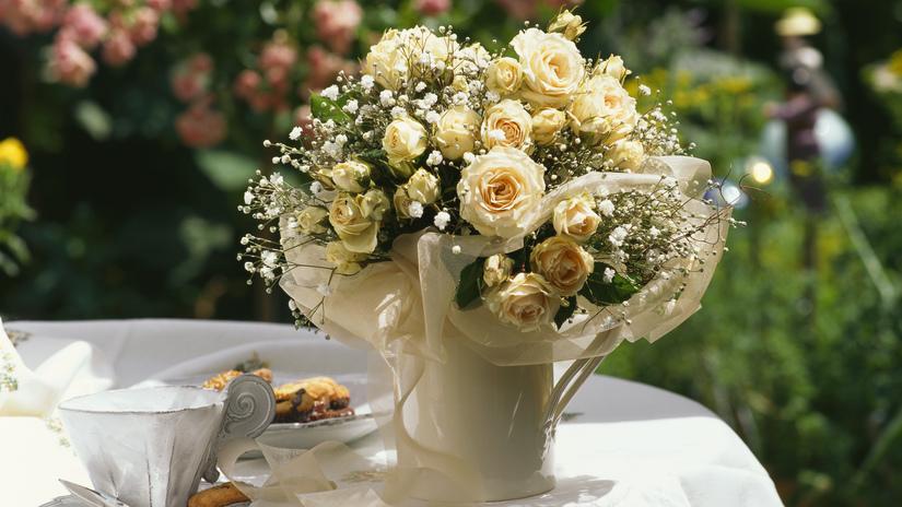 flores para la decoración de la recepción de una boda