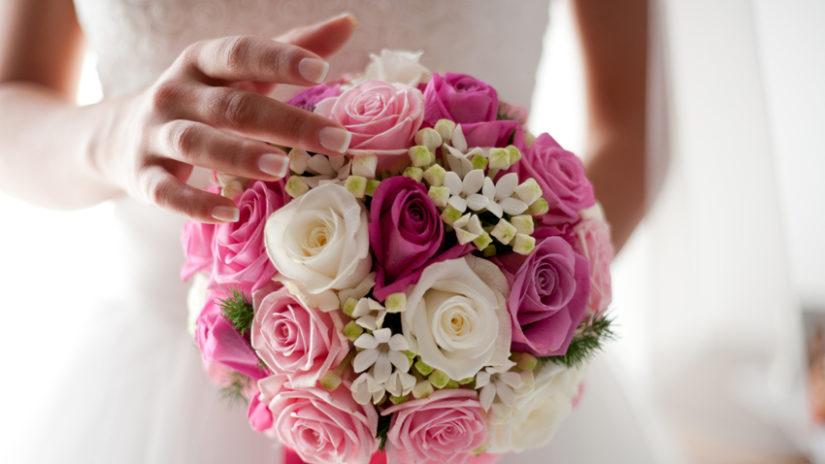 decoración de bodas en verano ramo novia