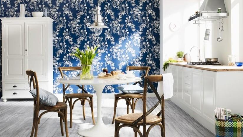 Papel pintado azul un solo color distintos estilos for Papel pintado cocina ikea