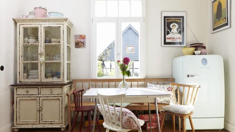 Vitrinas para comedor almacena tu vajilla westwing for Decorar vitrina de comedor
