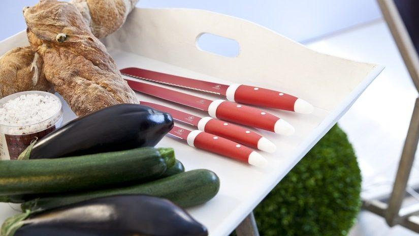 Cuchillos-de-carne-rojos