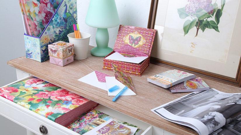 tarjetas de regalo en papel