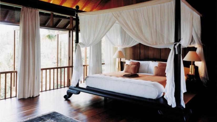 lit à baldaquin, chambre à coucher, lit en bois