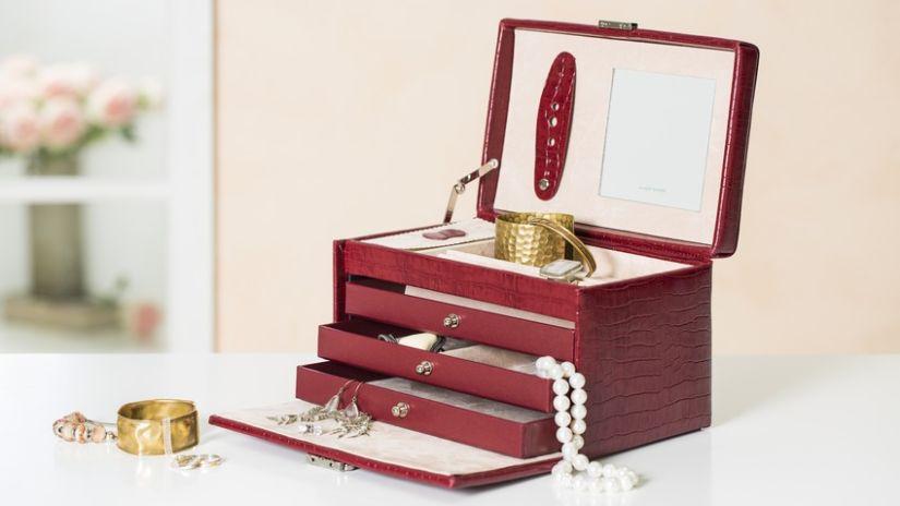 Armoire à bijoux en cuir rouge bordeaux