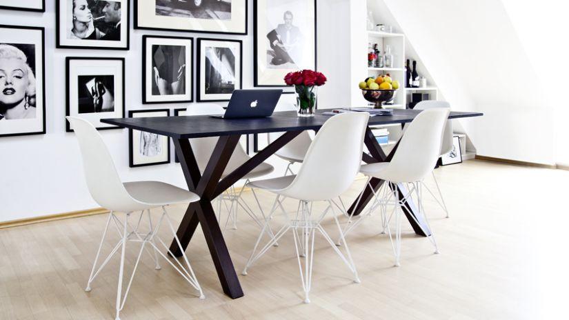 Table à manger en bois noir