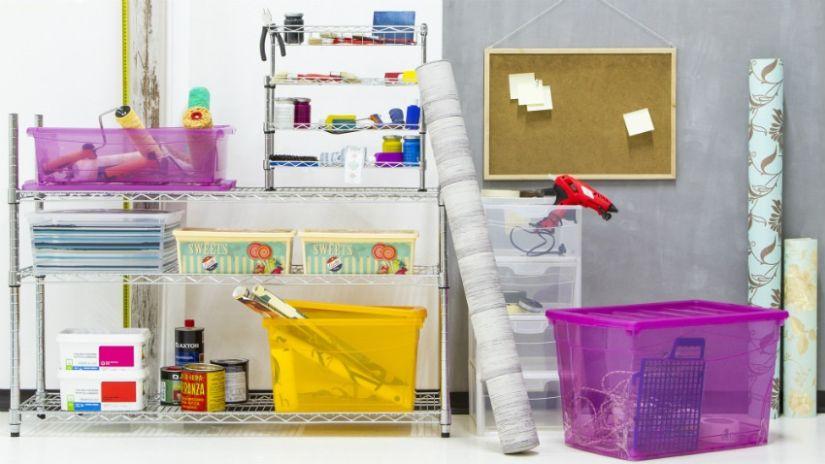 Boîtes en plastique de couleur