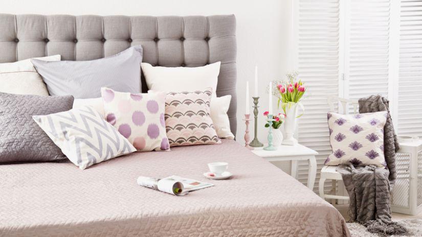 Couvre-lit de couleur vieux rose