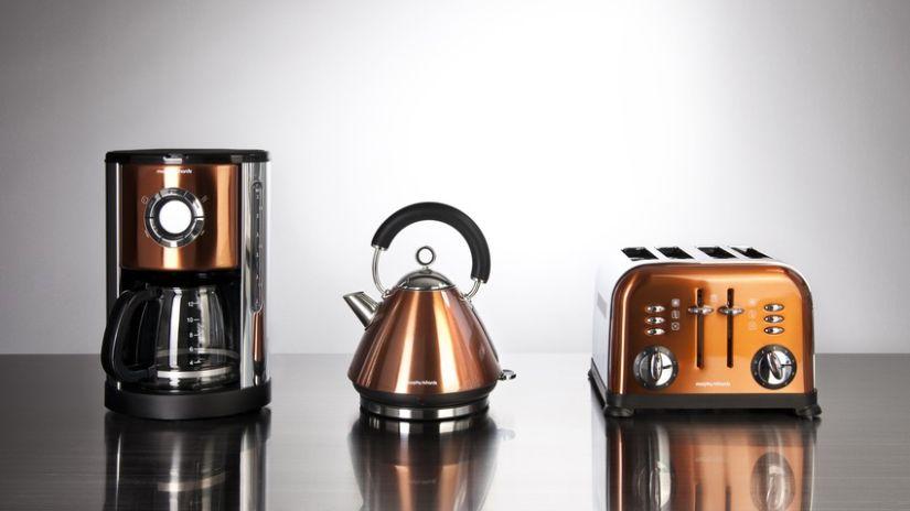 Machine à café de couleur cuivrée