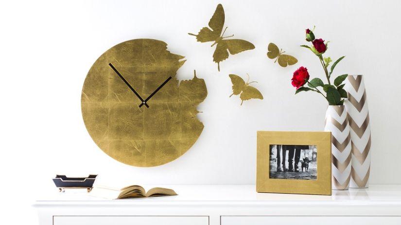 Pendule design avec papillons