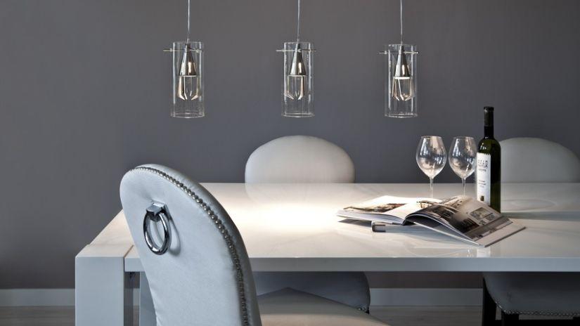 Table de salle à manger blanche