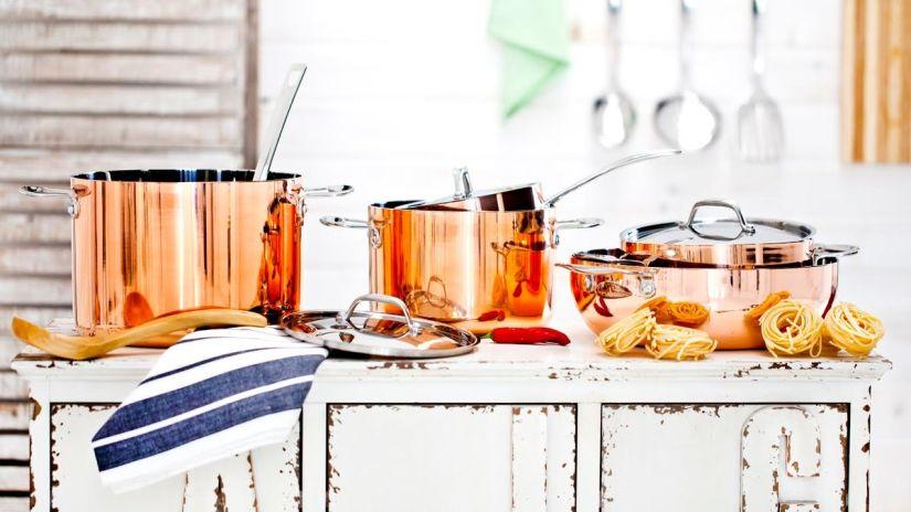 cuisine rustique, batterie de cuisine, batterie de cuisine en cuivre