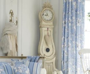 Horloge comtoise, style classique, horloge en bois, horloge blanche