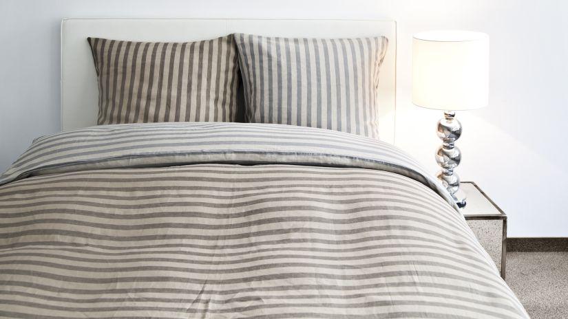 lit 140 x 200, parure de lit grise
