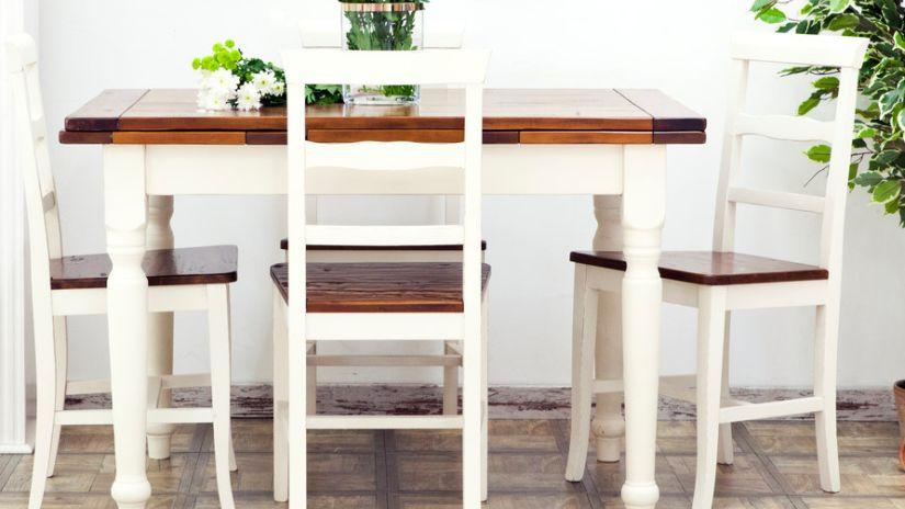 meuble en bois massif, chaise en bois, table en bois