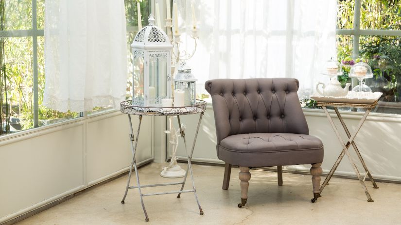 fauteuil crapaud, tissu marron, style classique