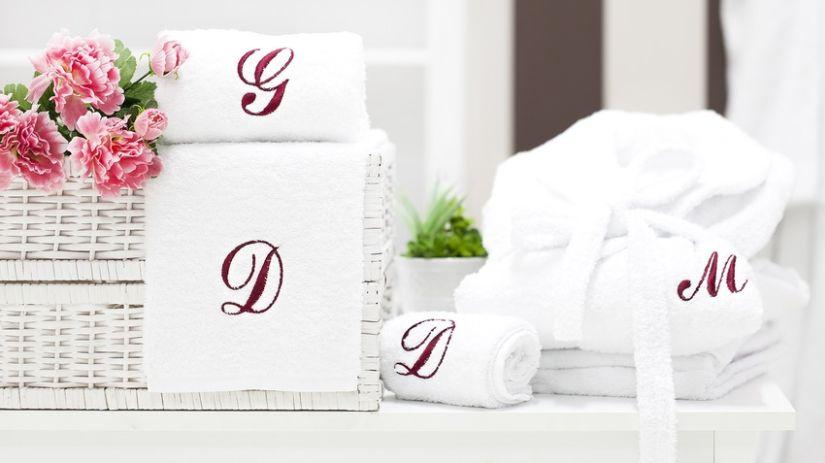Sortie de bain blanche personnalisée