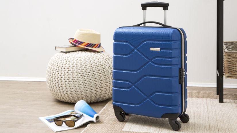 Valise légère de couleur bleue