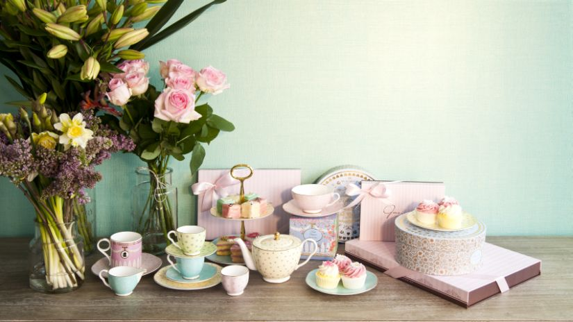 Service à thé en porcelaine pastel