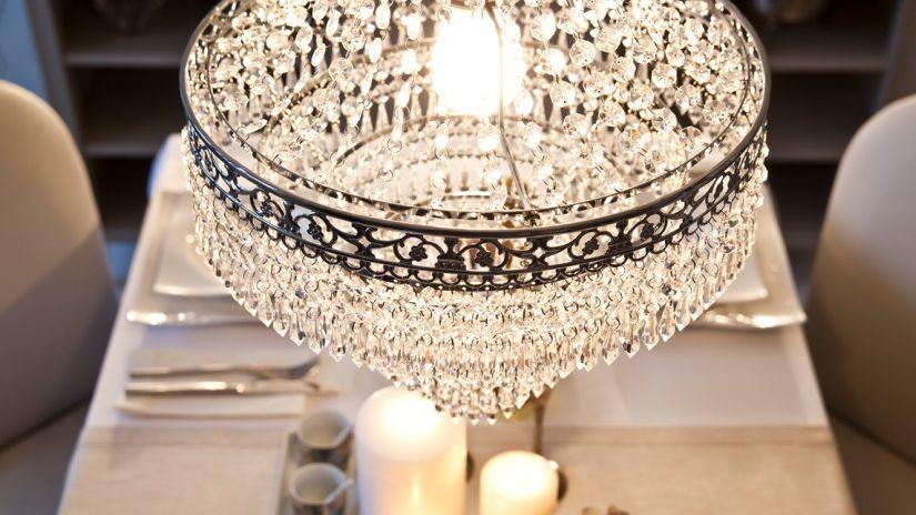 chandelier cristal, chandelier en cristal, style glamour