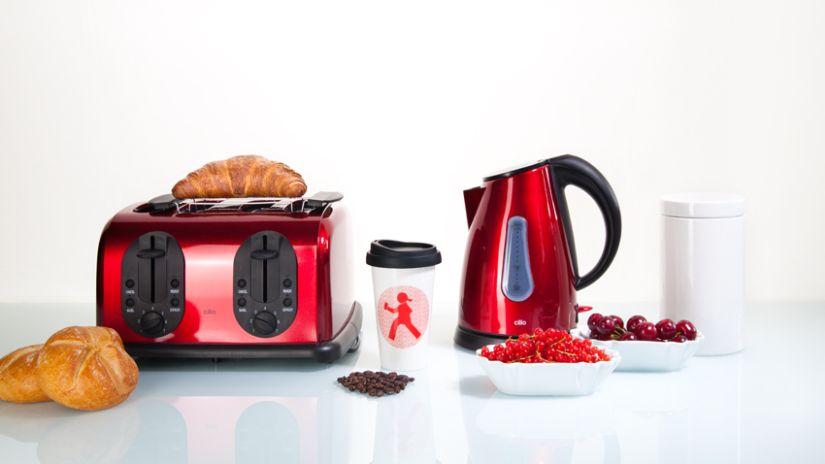 Grille-pain en métal de couleur rouge