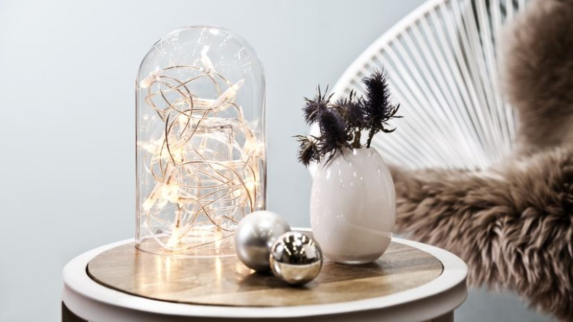 Guirlande lumineuse dans cloche en verre