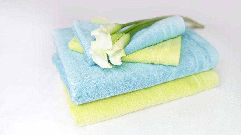 Serviettes de douche de couleur
