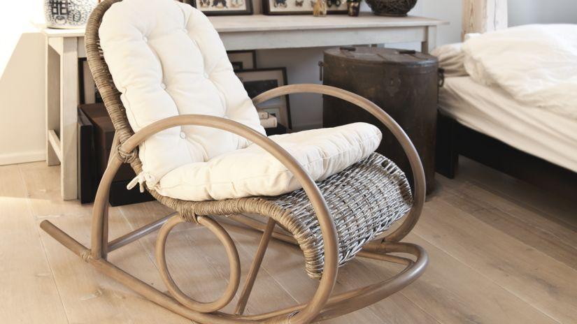 fauteuil à bascule, fauteuil à bascule en bois