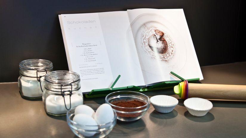 lutrin, lutrin de cuisine, lutrin en bois, ingrédients, recette, livres