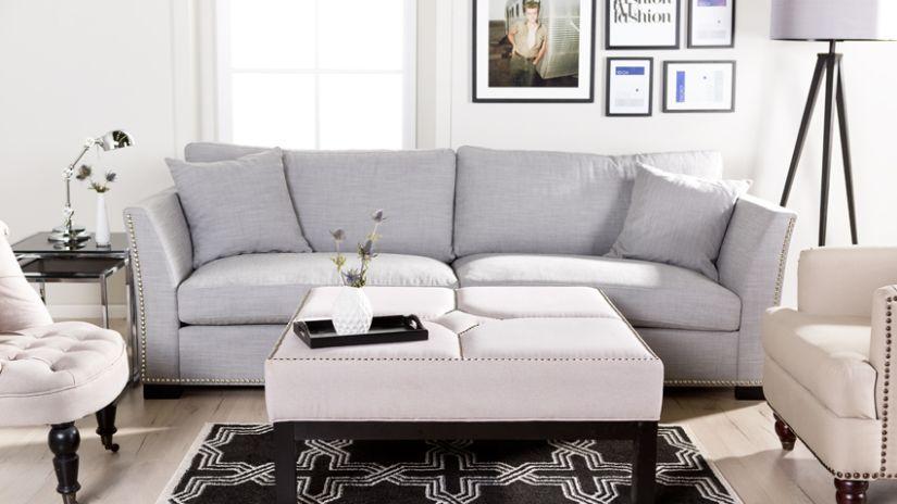 Canapé gris de style scandinave
