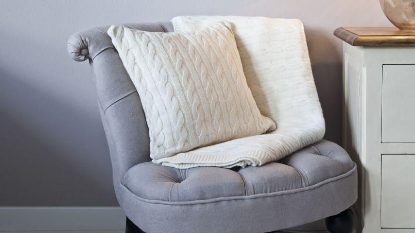 Coussin blanc en laine