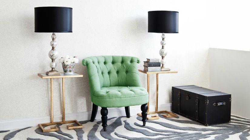 Petit fauteuil vert foncé