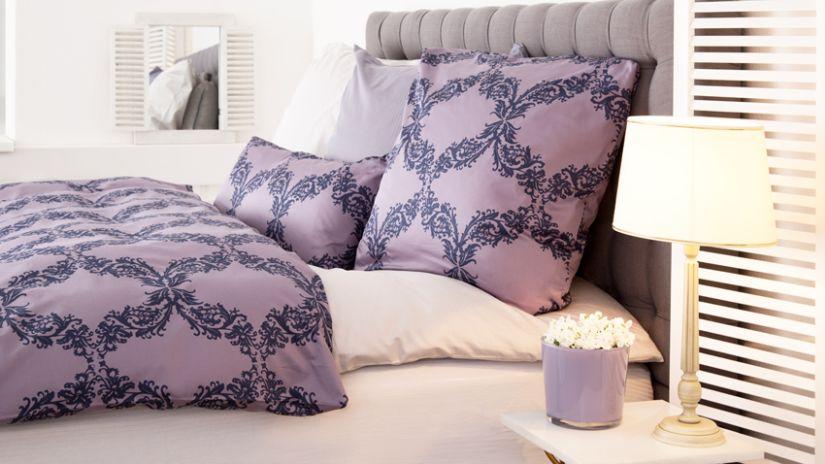 Housse de couette violette à motifs