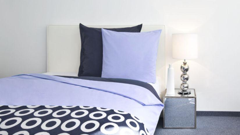 housse de couette violette florale ou feutr e westwing. Black Bedroom Furniture Sets. Home Design Ideas