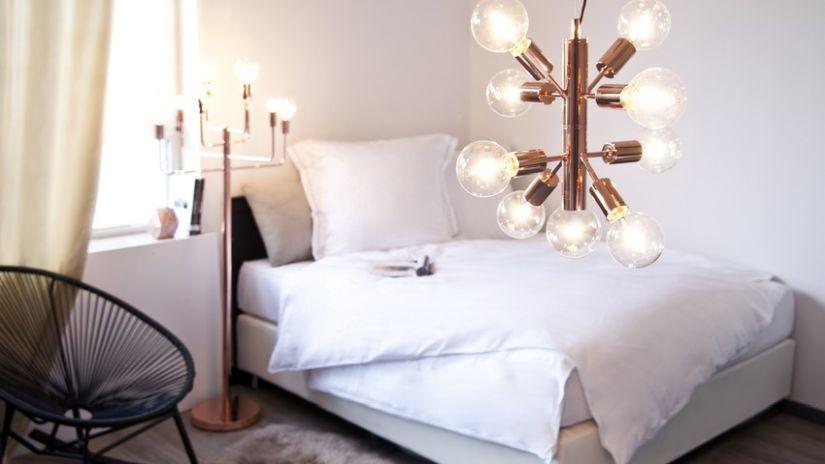 Couvre-lit blanc matelassé