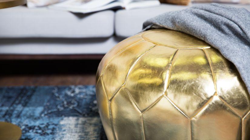 Gros pouf doré design
