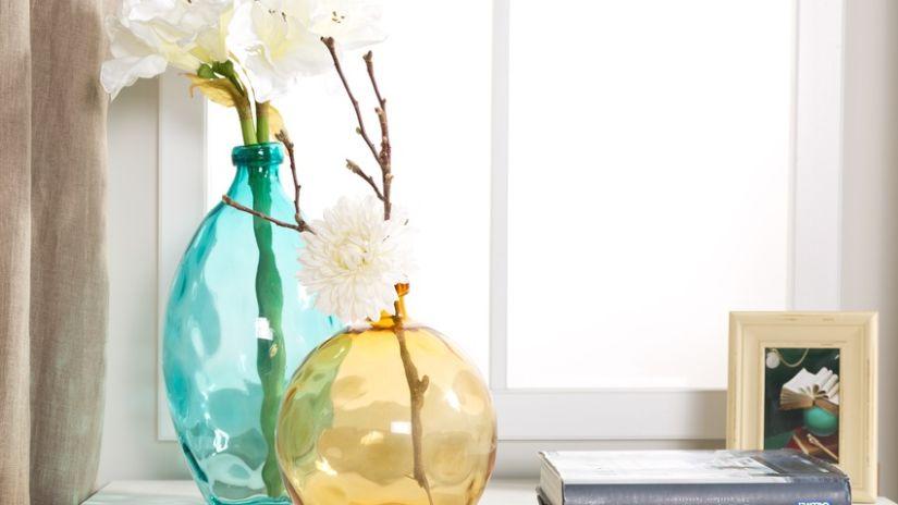 Joli vase turquoise en verre