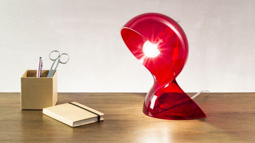 Lampe de lecture de couleur rouge