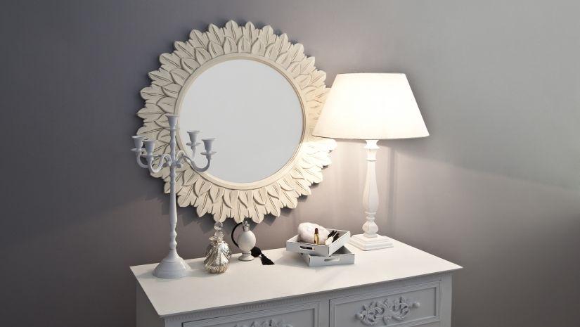 Petite lampe sur pied blanche