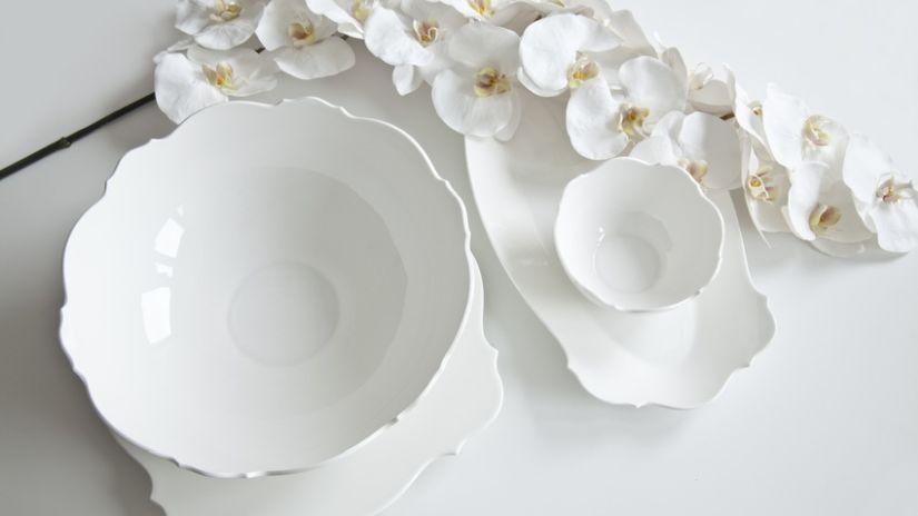 assiette blanche une valeur s re de la vaisselle westwing. Black Bedroom Furniture Sets. Home Design Ideas