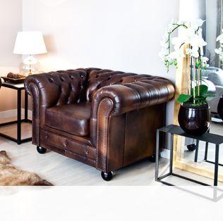 Canapé Chesterfileld en cuir marron