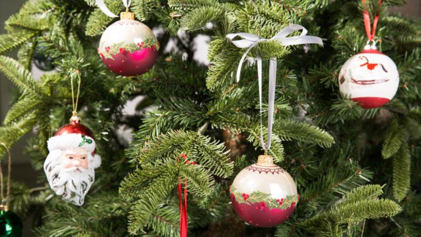Jolies boules de Noël rouges