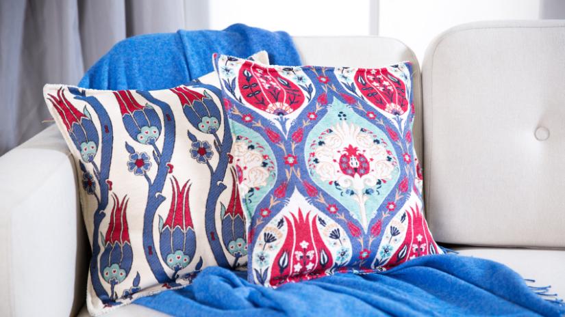 Joli coussin 60x60 rose et bleu