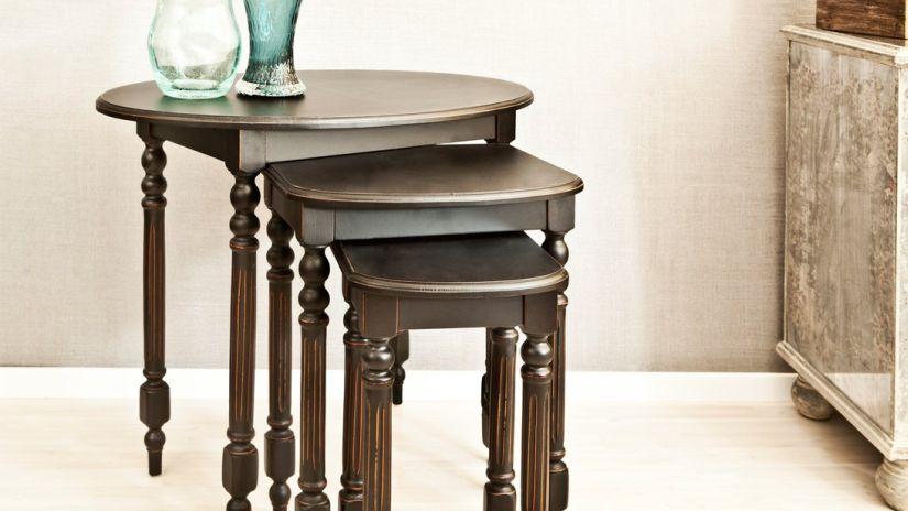 Tables ovales en bois